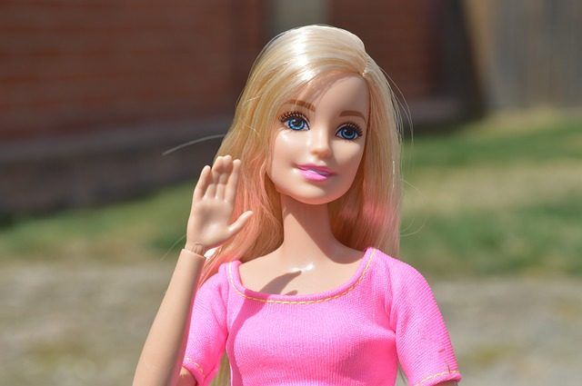 barbie-1366378_640
