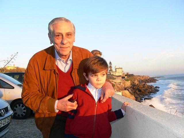 grandfather-784512_640