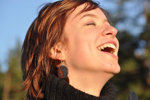 laughter-1532978_640