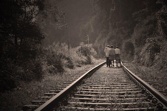 rail-road-191097_640