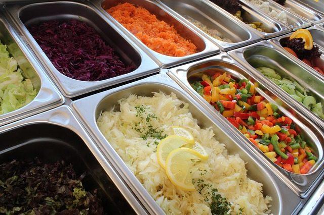 salad-bar-2094459_640