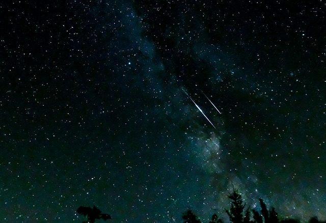 shooting-stars-3607859_640